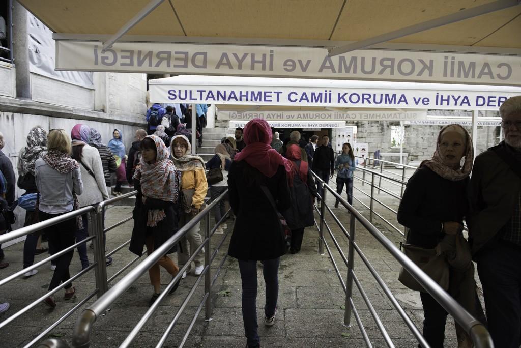 Istanbul - vstup do Modrej mešity