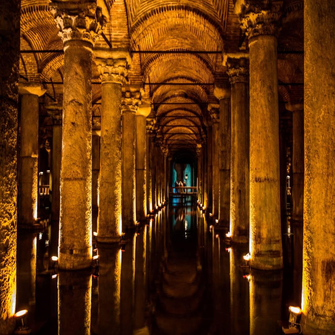 Yerebatanská cisterna v Istanbule