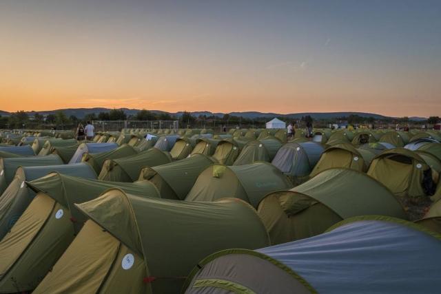 Stanový hotel Tent Inn na Pohode